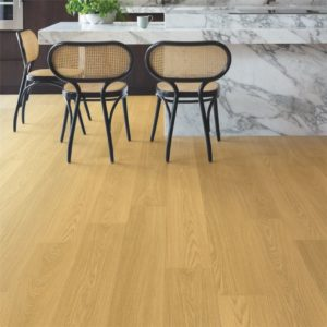 Quick-Step Signature Natural Varnished Oak SIG4749 | Floorstore