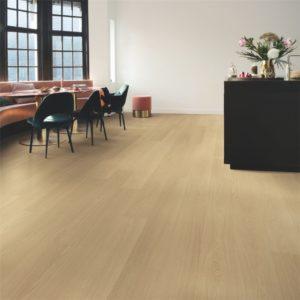 Quick-Step Signature Beige Varnished Oak SIG4750 | Floorstore