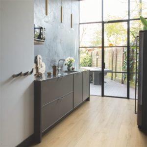 Quick-Step Signature Brushed Oak Natural SIG4763 | Floorstore